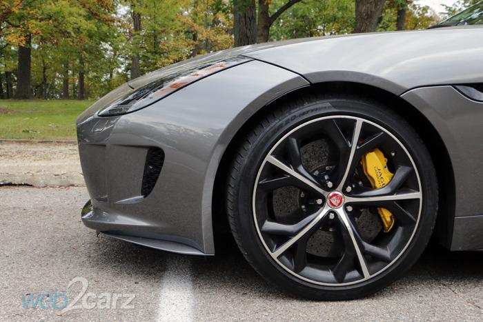 2016-jaguar-f-type-r_front_wheel_1445529261_700x467.jpg
