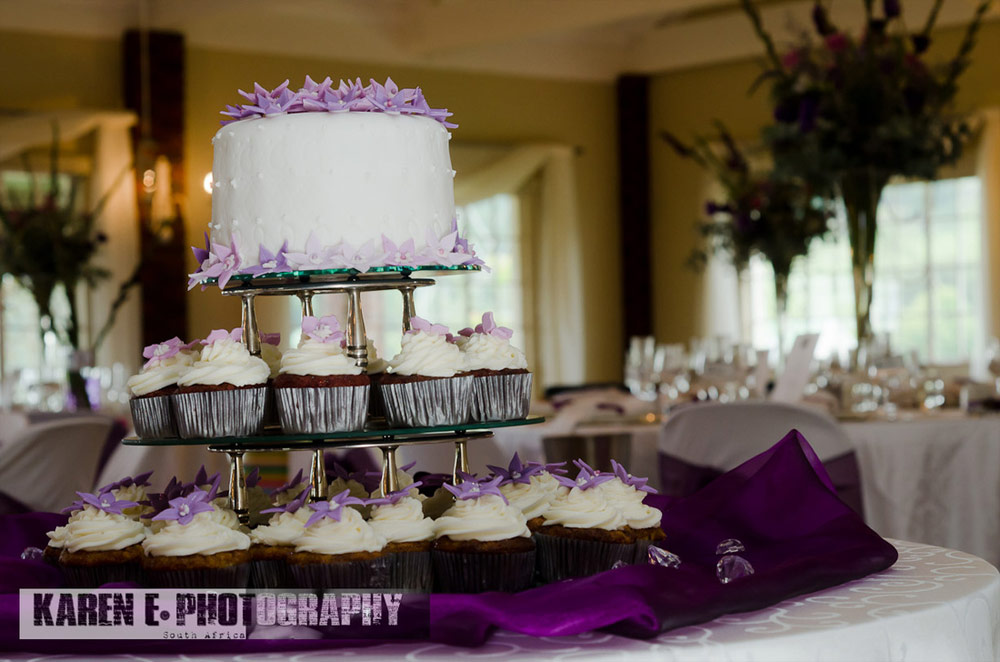 karen-e-photography-wedding-cake.jpg