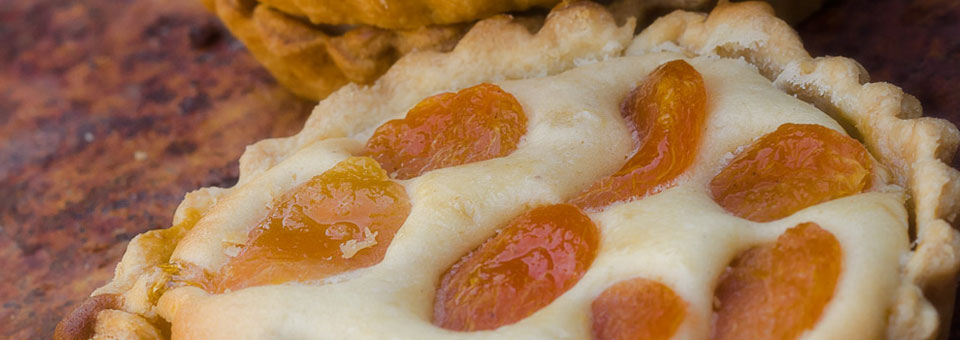 Apricot and Ginger Tart