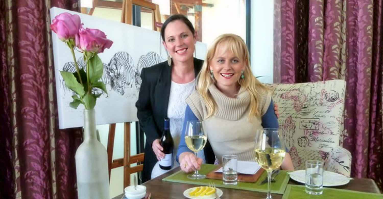 Jackie Cameron with Tanya Nicholson at Nicholson's Country Cafe / Frank Chemaly (p)
