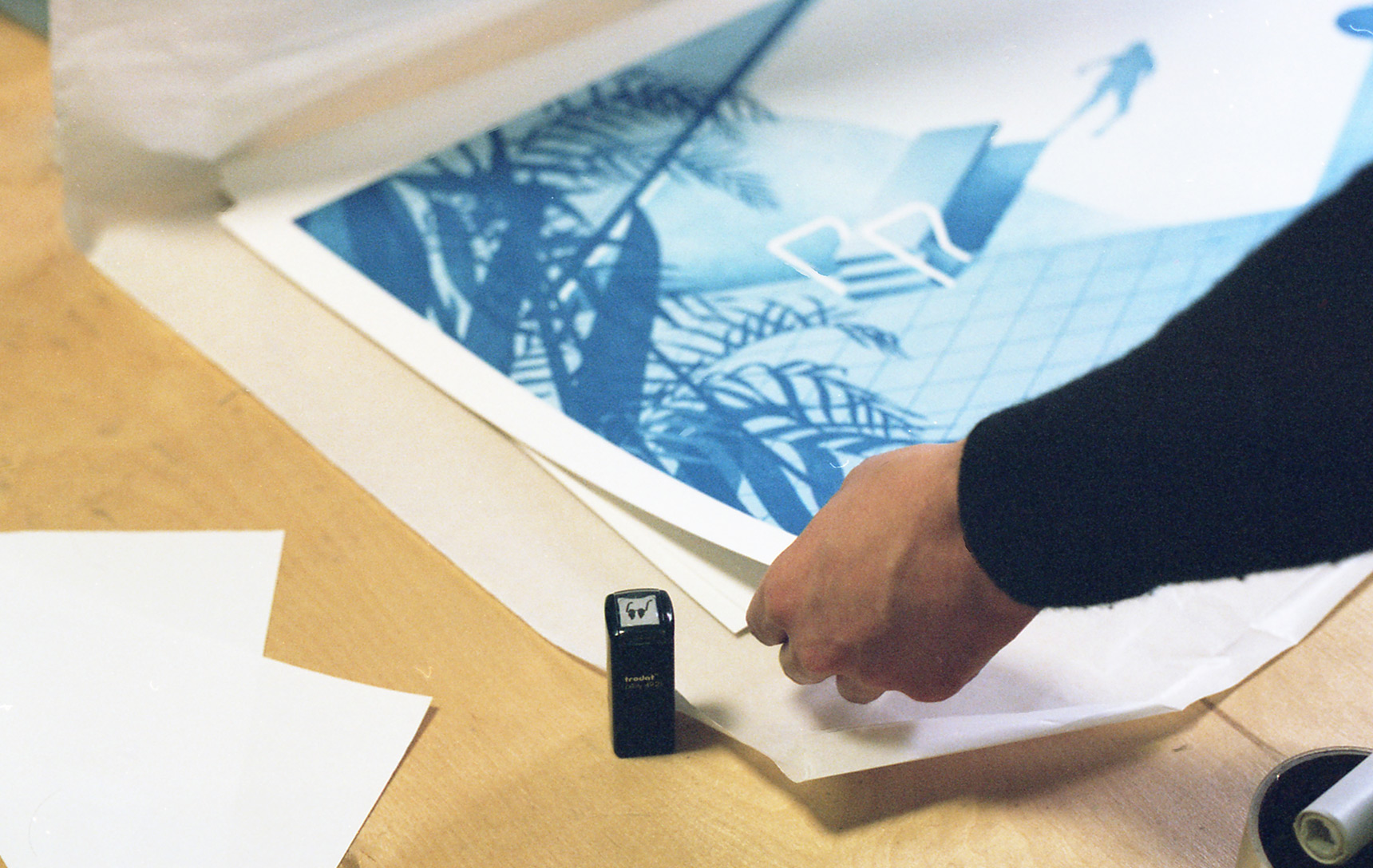 Every print is marked with the logo-stamp.