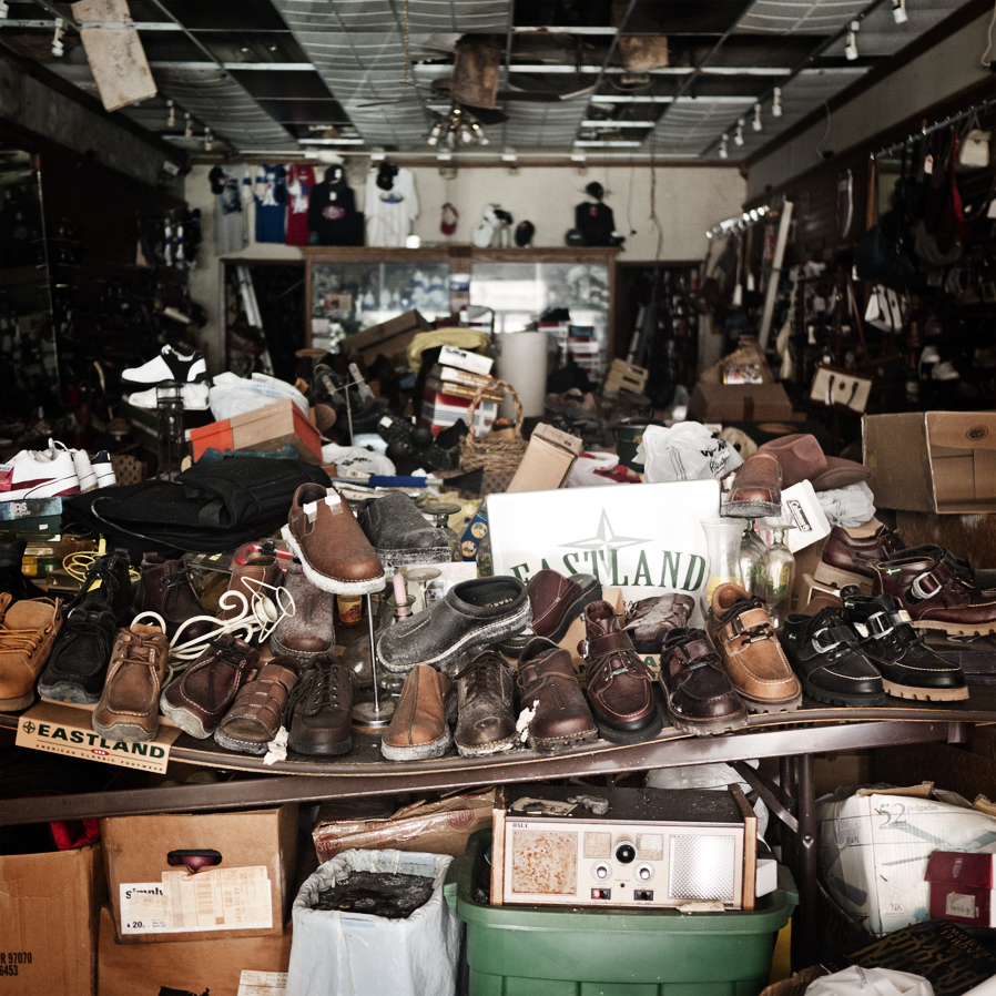 Abandoned shoe store in Helena, AR