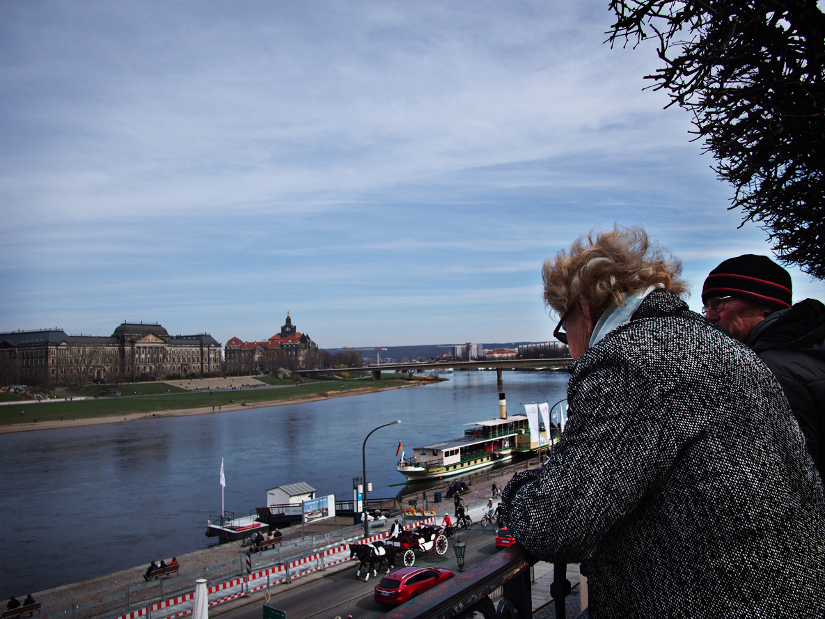 The Elbe river & an old woman.