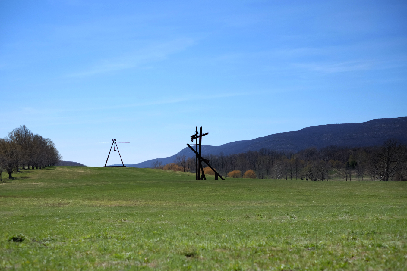 We arrived at Storm King Sculpture Center, in upstate NY, Saturday afternoon. This vast park is an outdoor museum for monumental sculptures by DiSuvero, Calder, Richard Serra, David Smith, Maya Lin and Andy Goldsworthy - and many more.