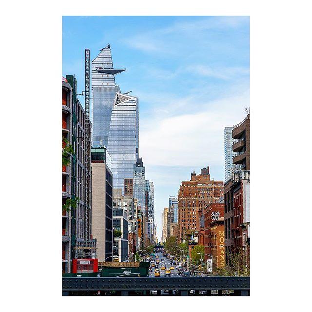 • • • • • #lovenewyork #manhattanview #newyorkskyline #thehighline #newyork_photoshoots #igersofnyc #nycexplorers #newyorkigers #timeoutnewyork #fstoppers #newyorklovesnyl #picturesofnewyork #sonyalphaclub #unlimitednewyork #ig_great_shots_nyc #mixedfacades #structures_greatshots #abc7ny #cbsnewyork #srs_buildings #buildingswow #igcolor #traveldrops #ig_life #ig_colorshot #igcaptures #nycityworld #thisisnewyorkcity #nyclives #travelingthroughnyc