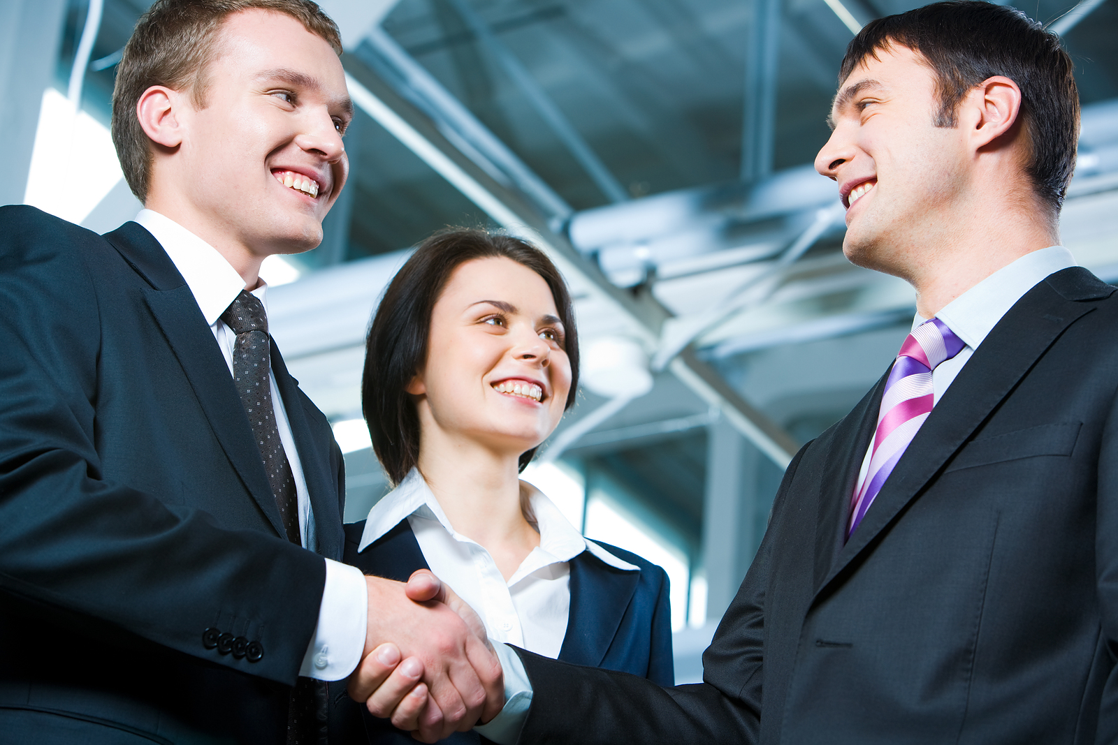 handshake_networking_Great_Bargain_2852589.jpg