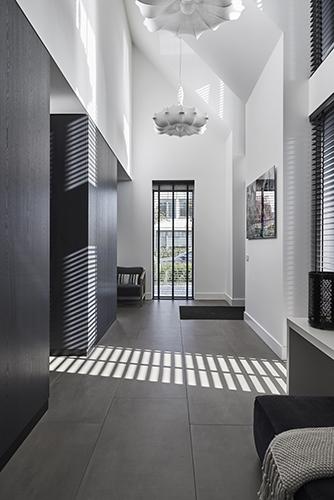 NOMAA haringbuys aerdenhout n201 zandvoorterweg gezina van der molenlaan stijlvol wonen modern landelijk strak riet stuc wit zwart architect interieur_3.jpg