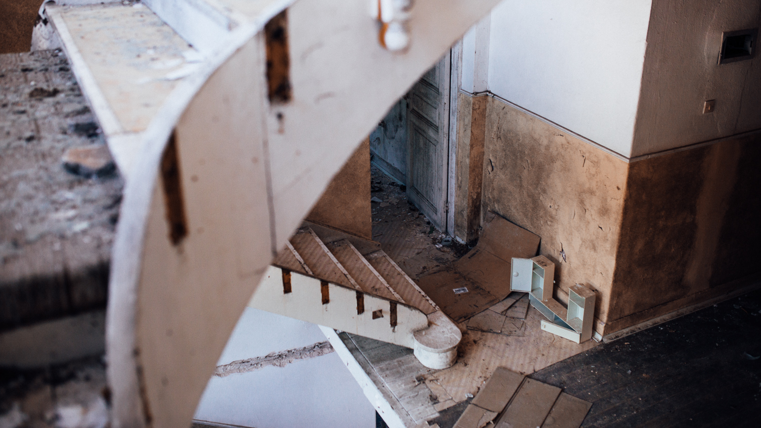 Abandoned-Greece-Atte-Tanner-Photography-2.jpg