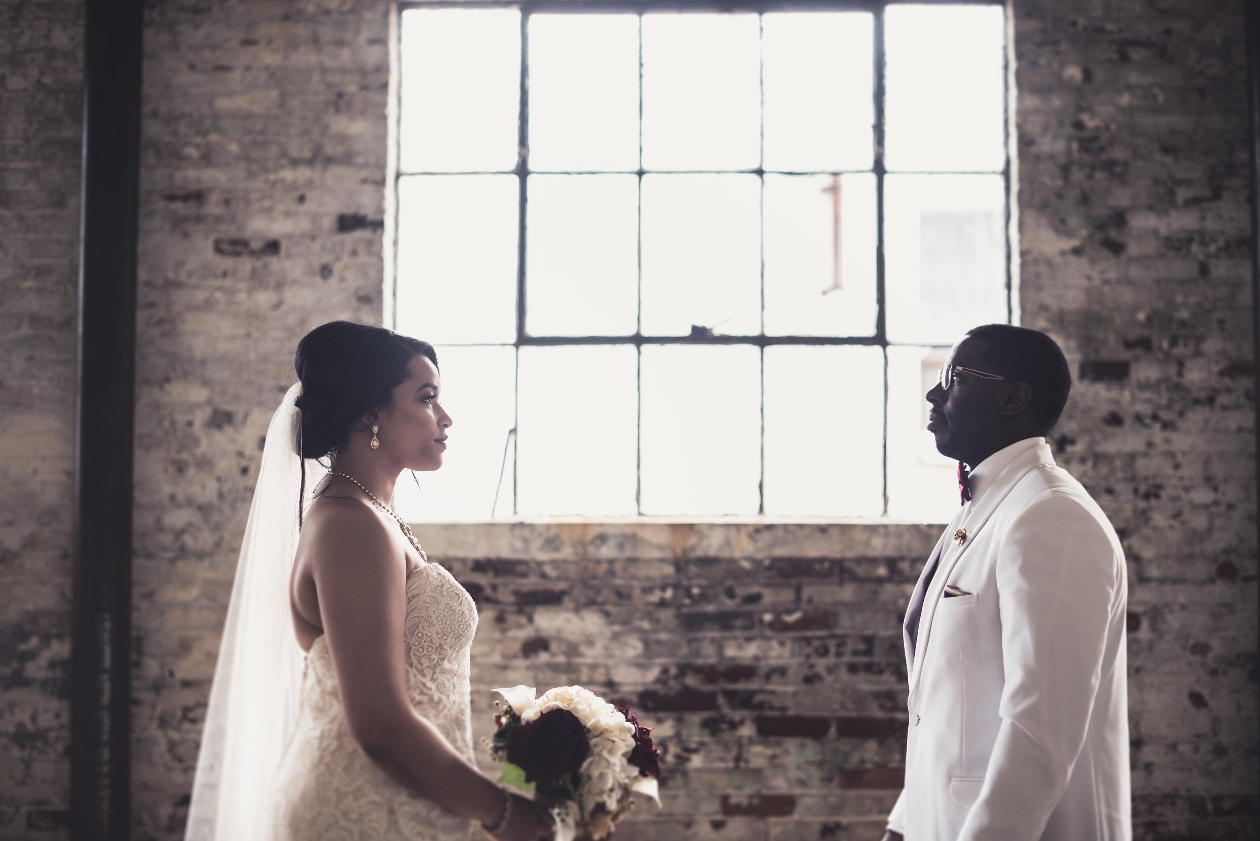 Burlington Iowa Wedding Midwest Photographer Melissa Cervantes _ Chantelle and Isaiah 320l.jpg