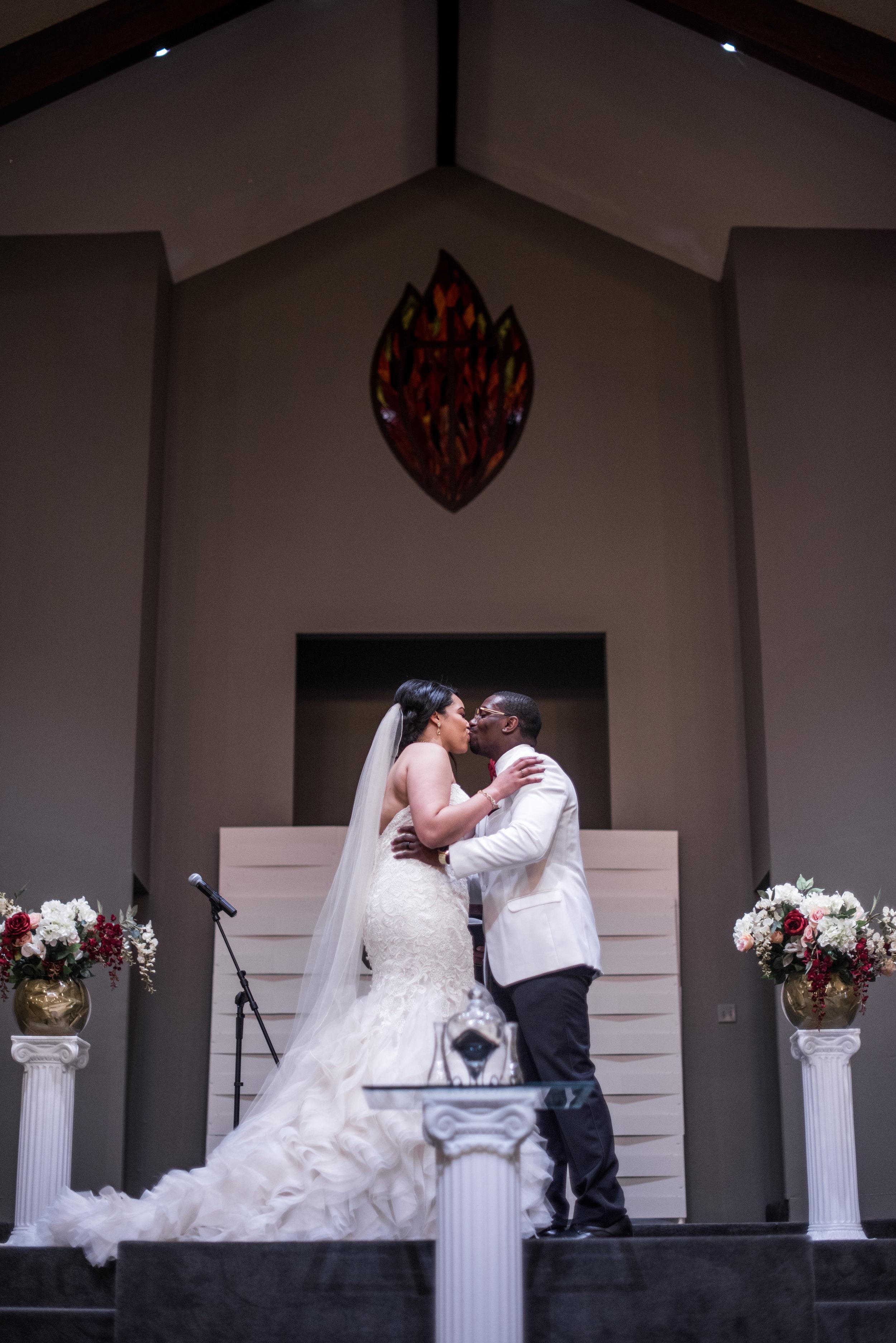Burlington Iowa Wedding Midwest Photographer Melissa Cervantes _ Chantelle and Isaiah 552aa.jpg