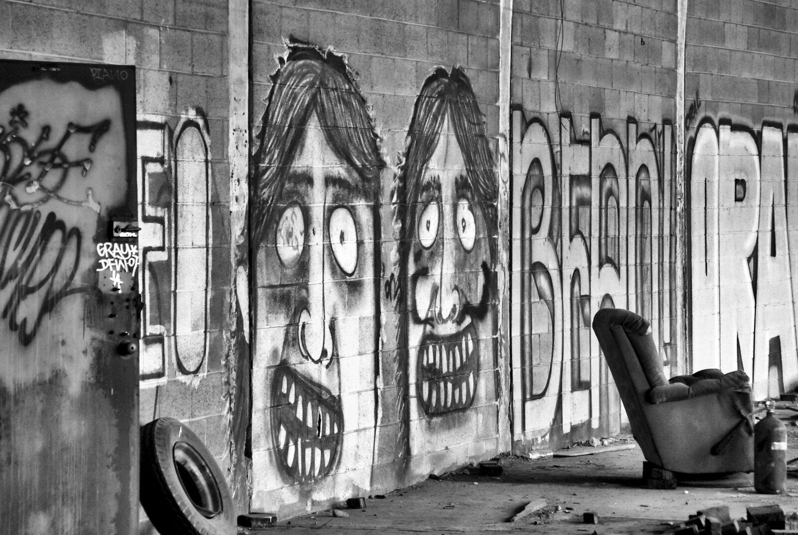 01_PRINT_12_Graffity01-Edit-Edit-2-Edit____Lost-USA-D.jpg