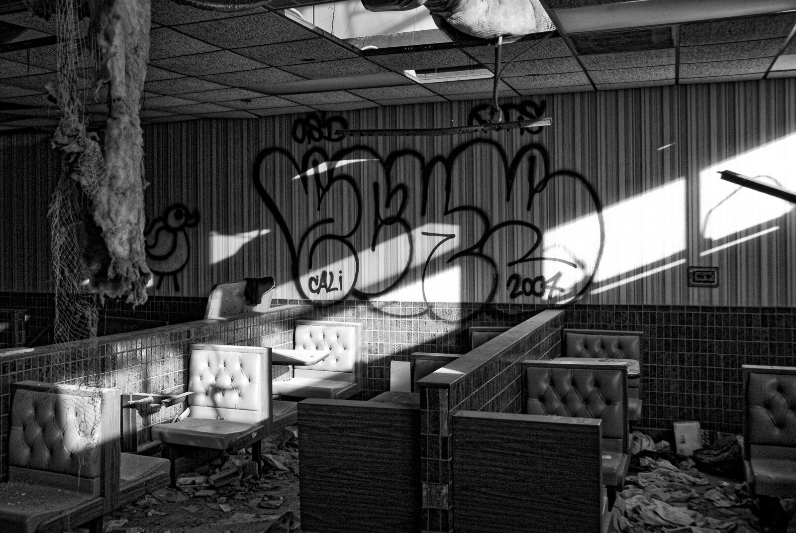 05_PRINT_09_DSC3913-2007_08_DetroitDowntown2007-Edit-2____Lost-USA-D.jpg