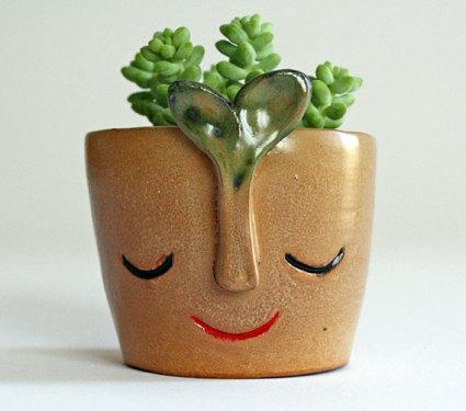 Handmade Ceramic Vase / Casa Abril // Second Floor Flat