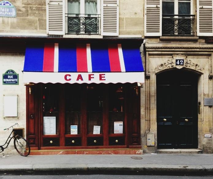 Paris / Second Floor Flat