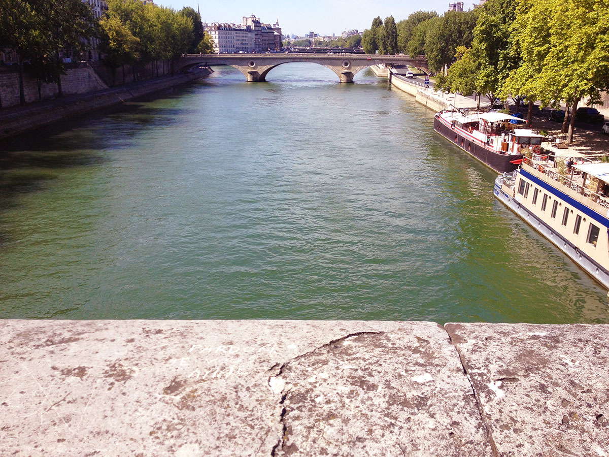 River Seine, Paris / Second Floor Flat