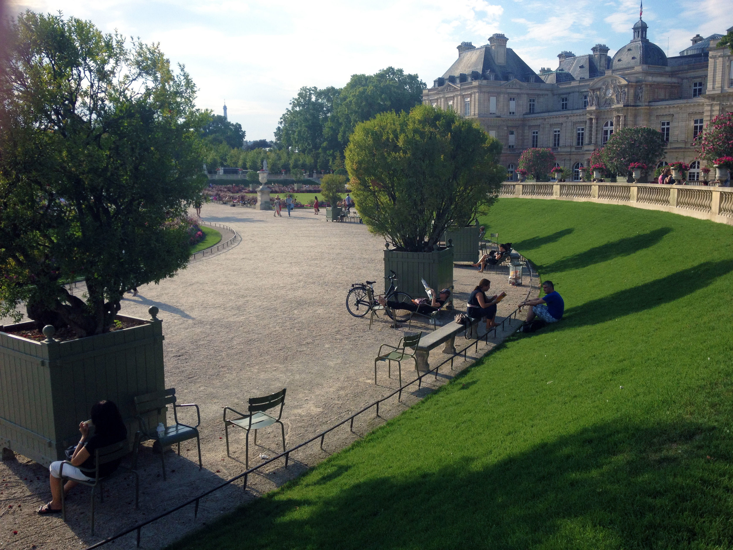Jardin du Luxembourg, Paris / Second Floor Flat