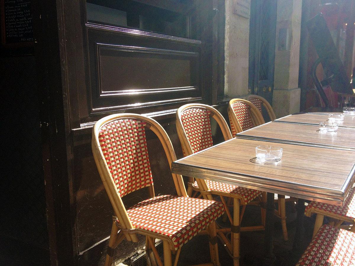 Morning in Paris / Second Floor Flat