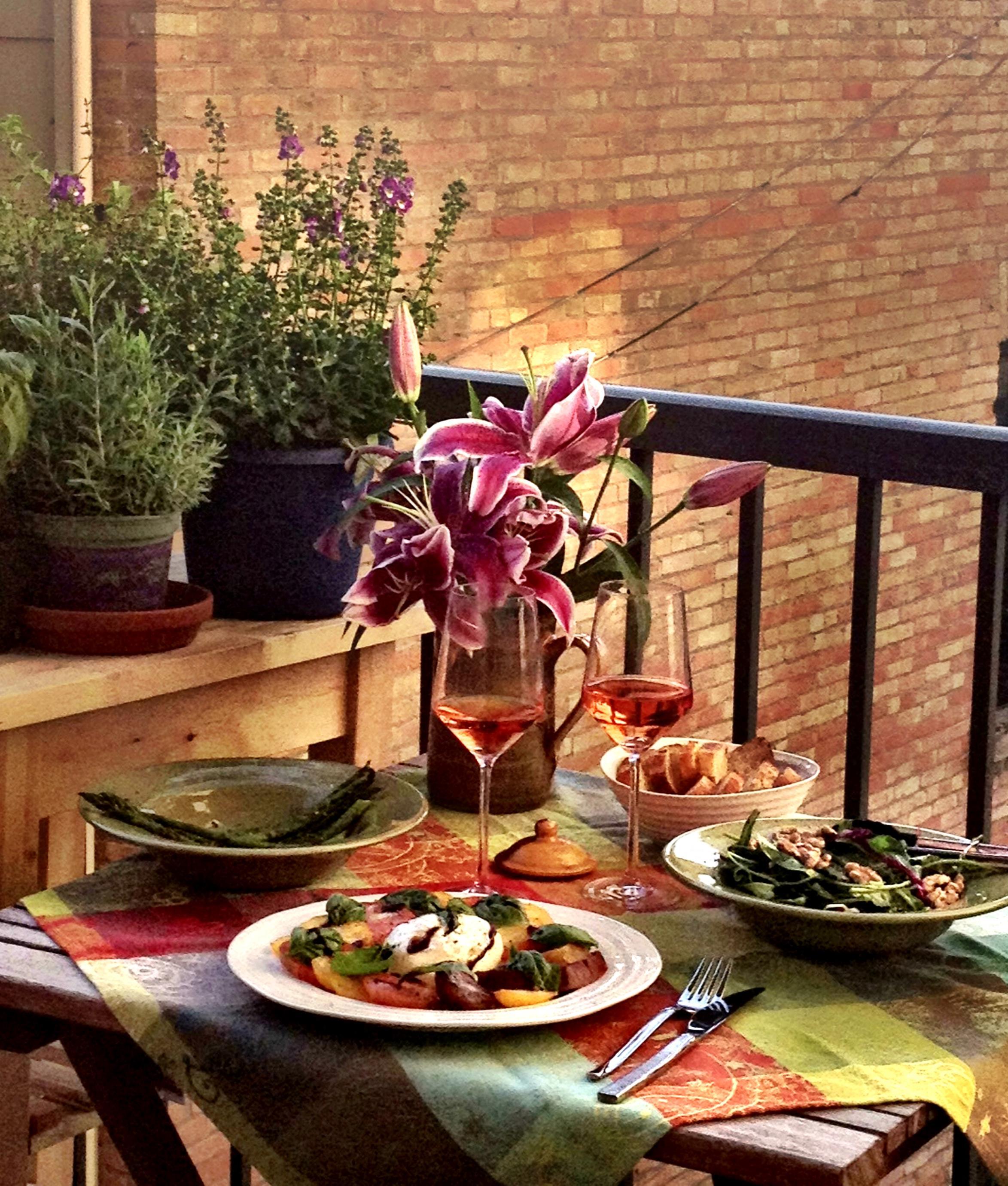 Dining al fresco; local burrata & hotchkiss heirloom tomato salad.