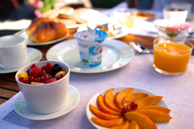 Breakfast at Villa Rosamarino.