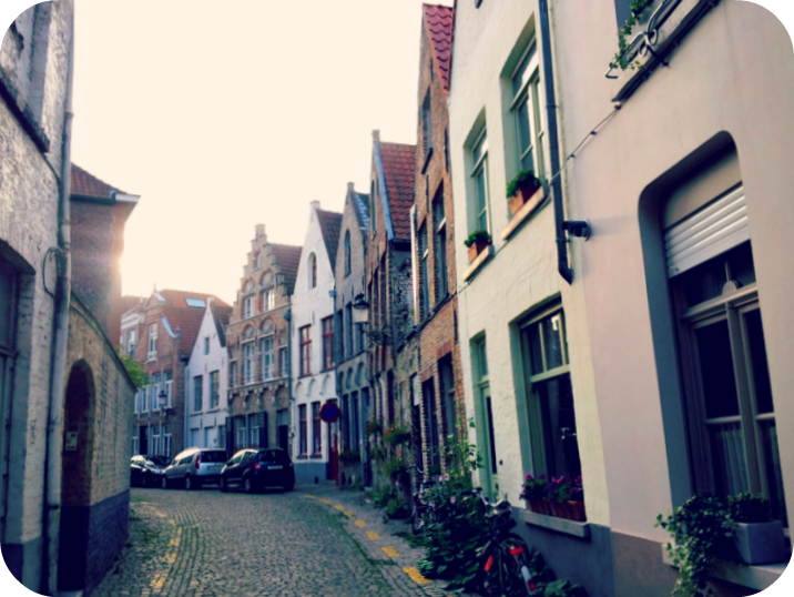 One of Bruges serene backstreets. © Eileen Hsieh