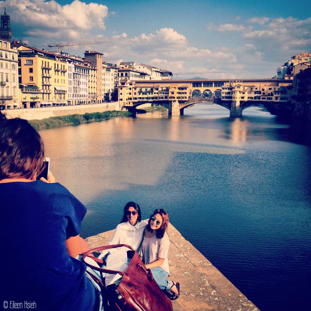 Ponte Vecchio tourists eileen hsieh followthatbug follow that bug.JPG