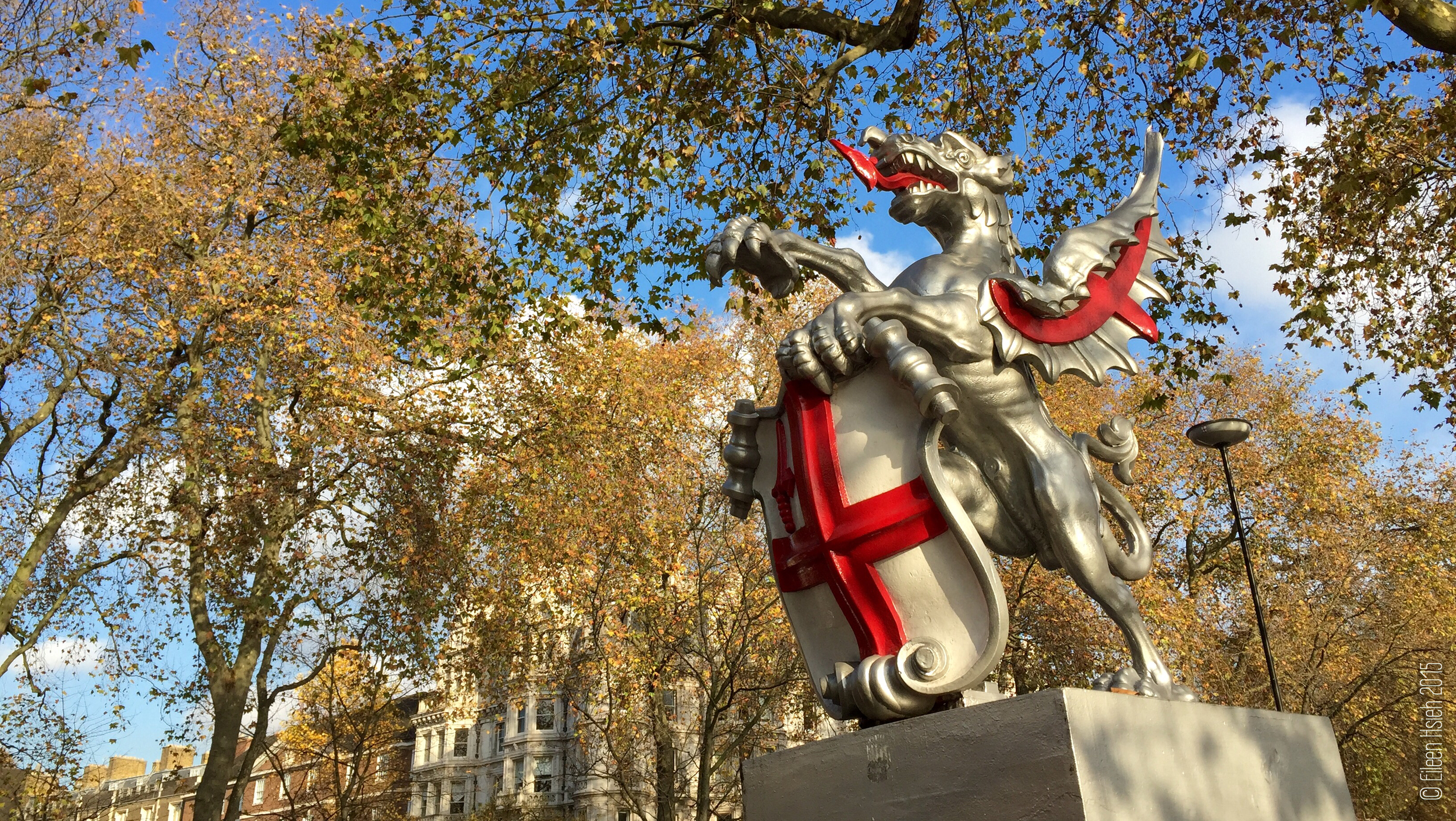 A dragon statue used to mark the boundaries of the City of London.© Eileen Hsieh
