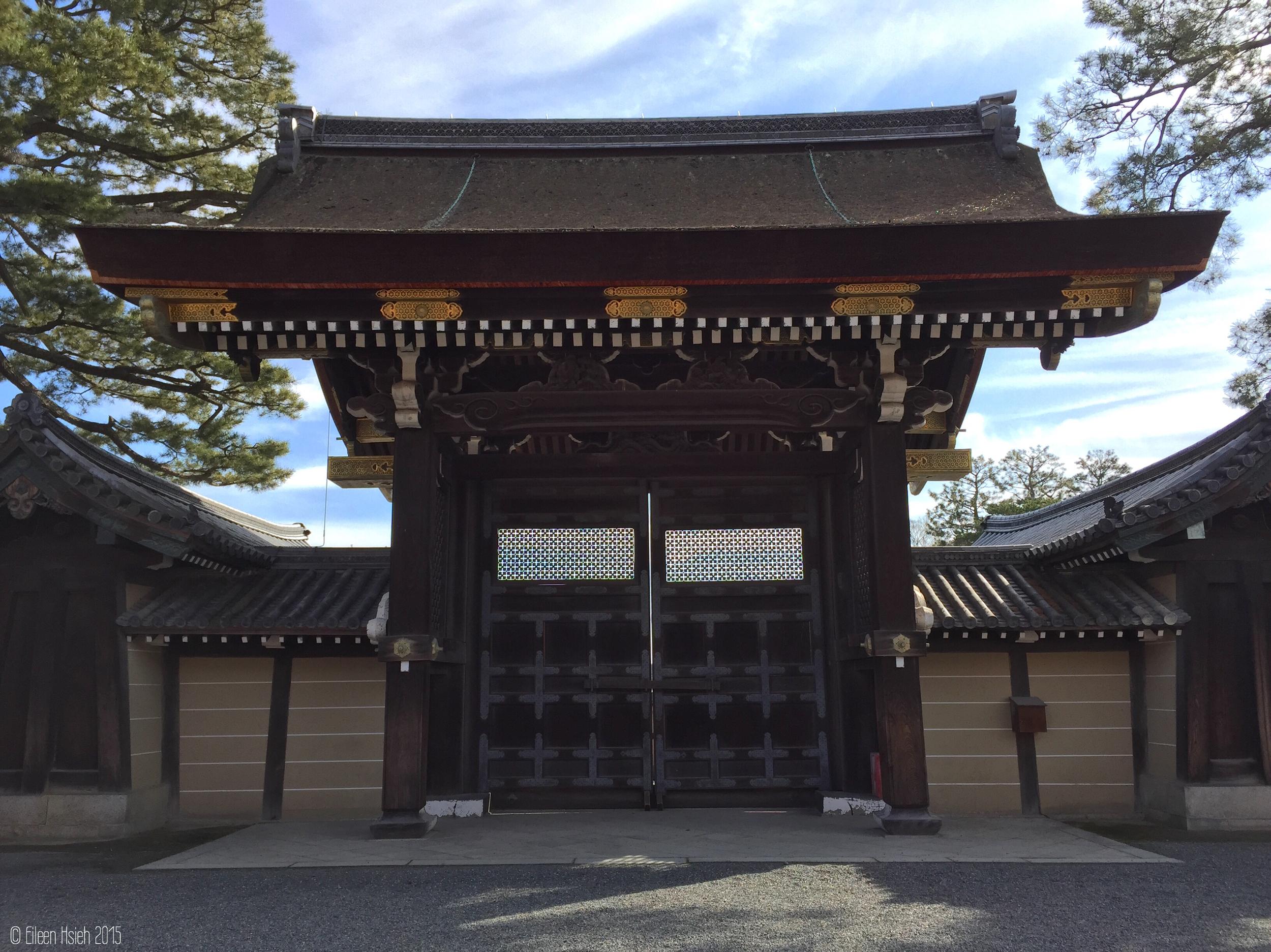 「  建禮門」是 正殿紫宸殿的正面入口,迎接國賓或重要儀式時才會使用。 © Eileen Hsieh