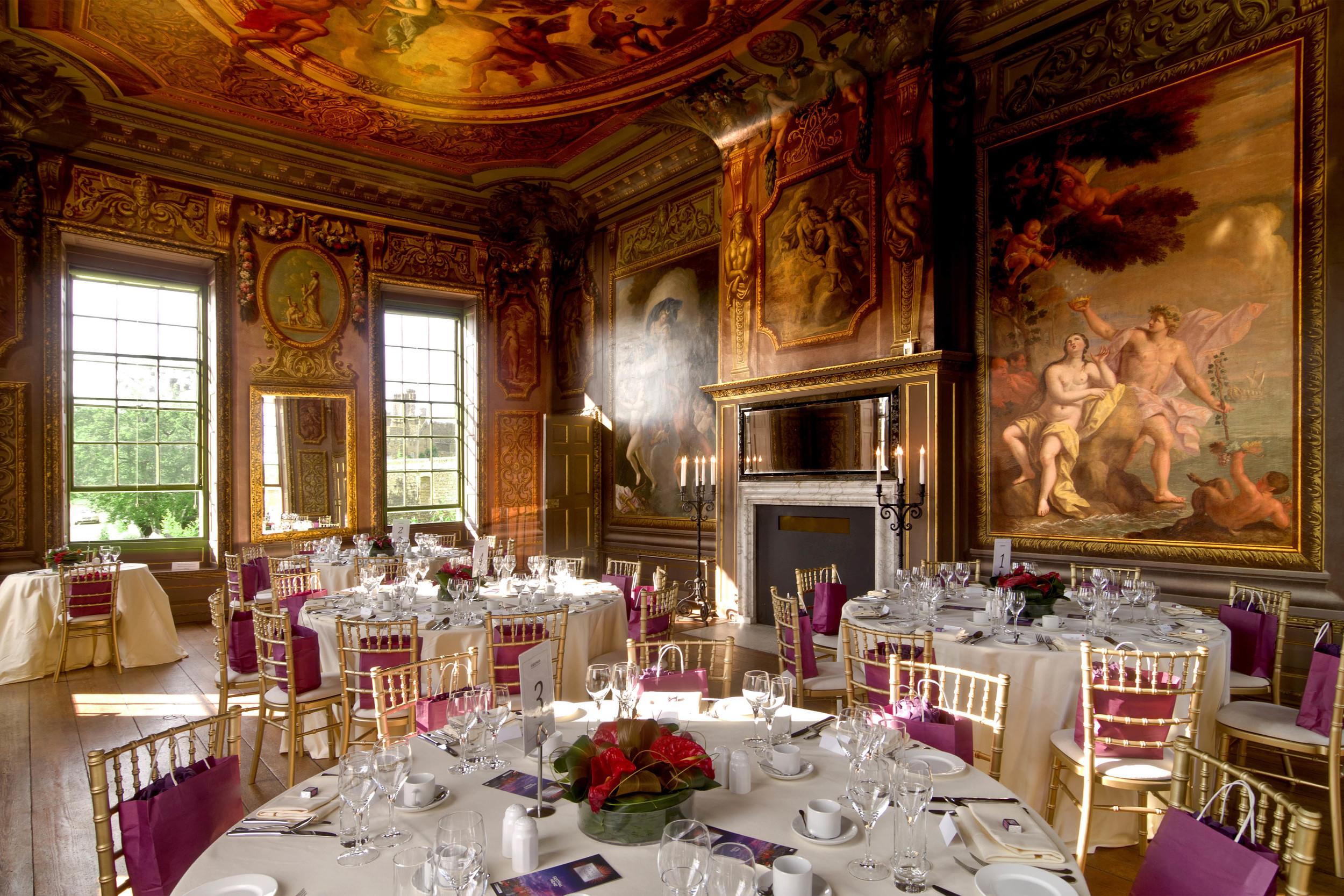 VIP dinner at the Palace's State Apartments. 在皇家御所享用VIP套餐。© Hampton Court Palace