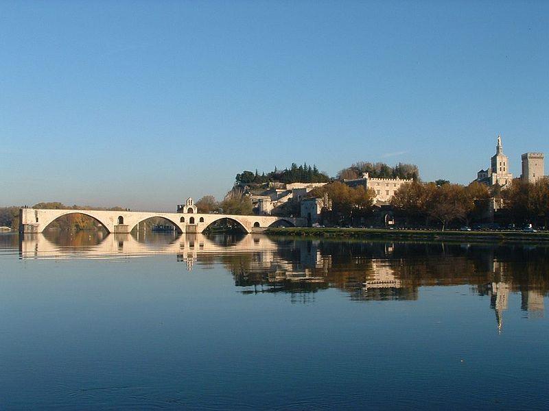 亞維儂Avignon 羅馬時代建造 斷 橋 (Source: Wikipedia)