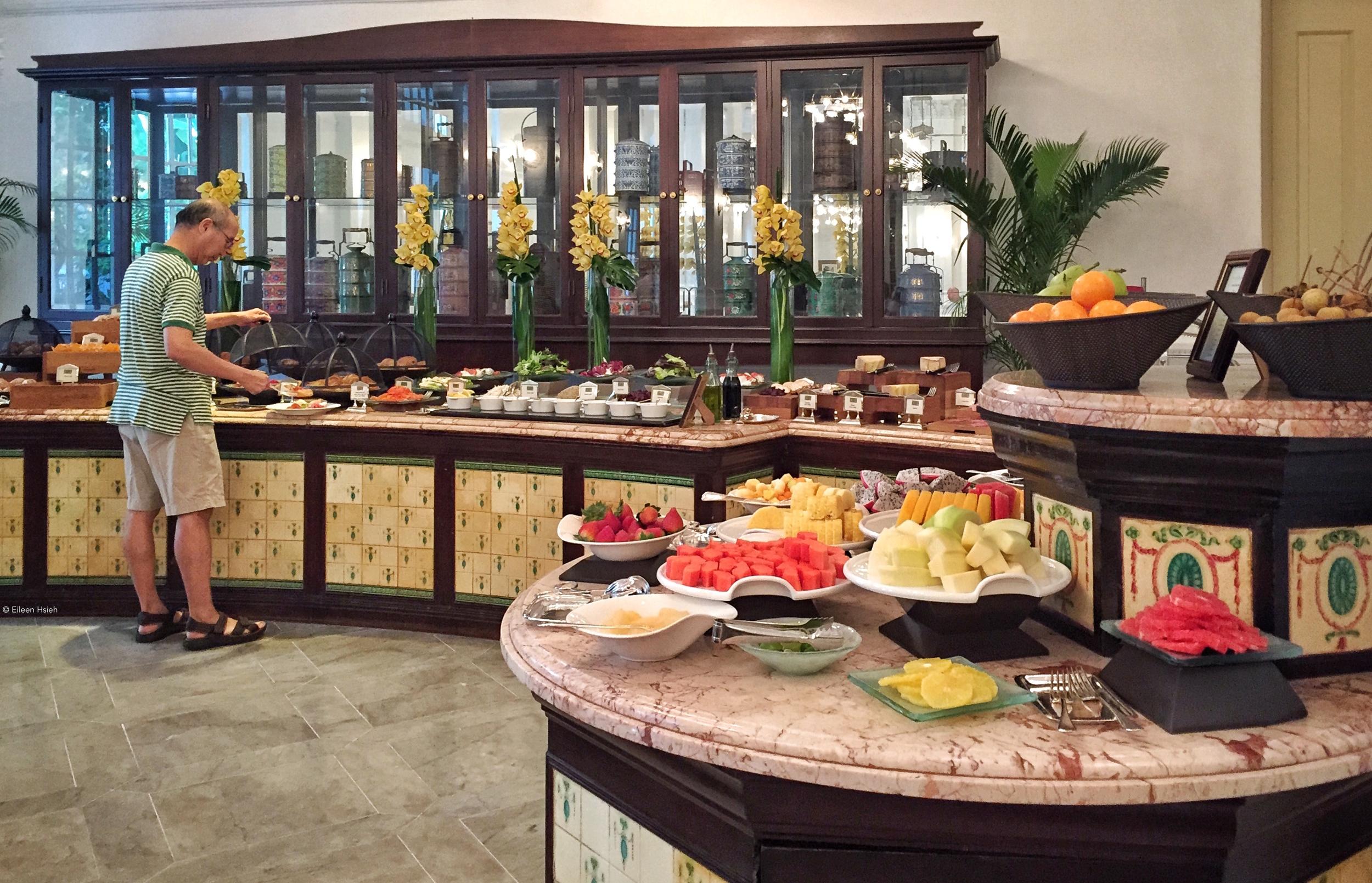 Breakfast buffet.© Eileen Hsieh