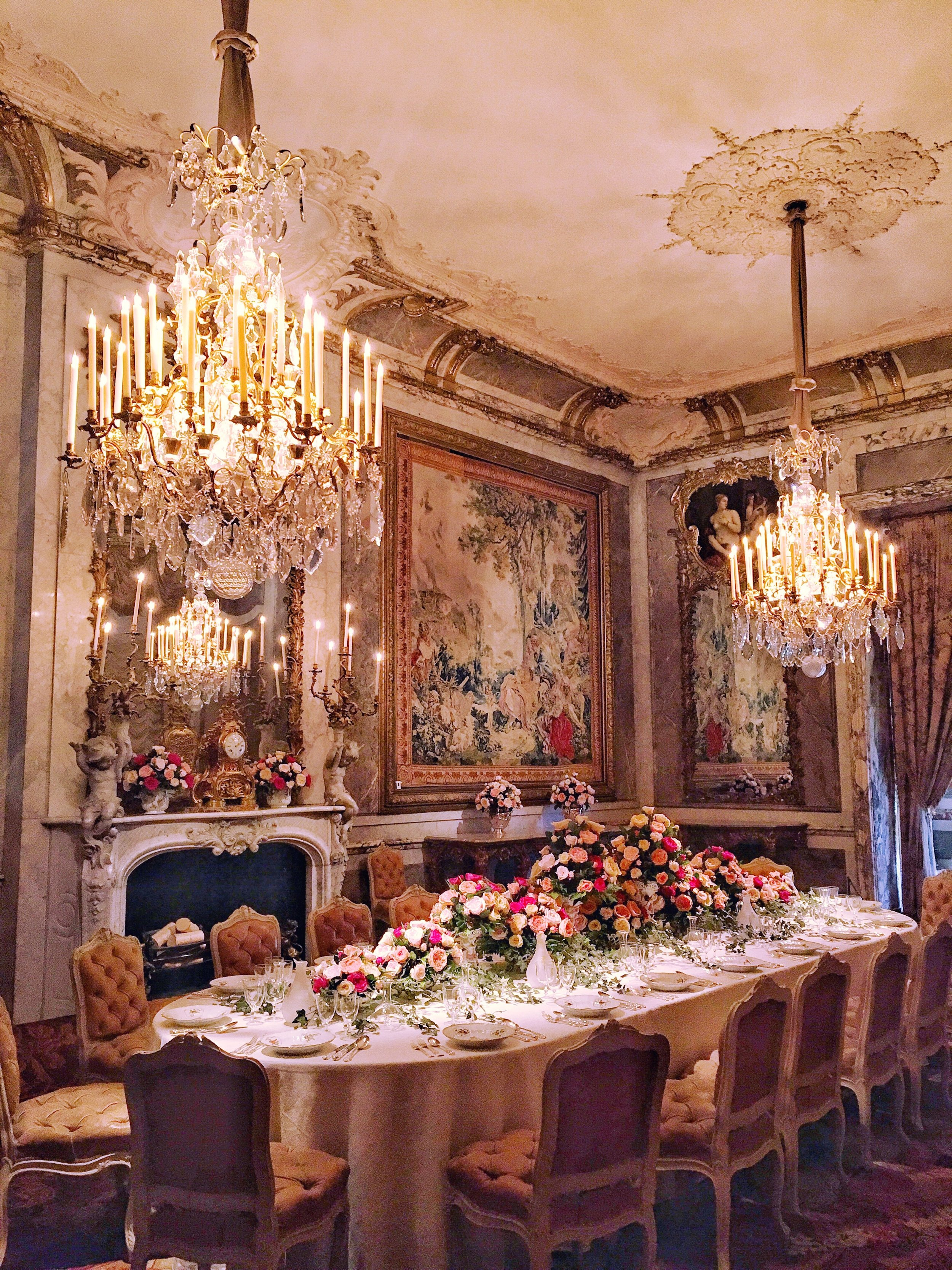 The dining room, with table laid as it would've been for a house party in the 1890s. © Eileen Hsieh / Follow That Bug