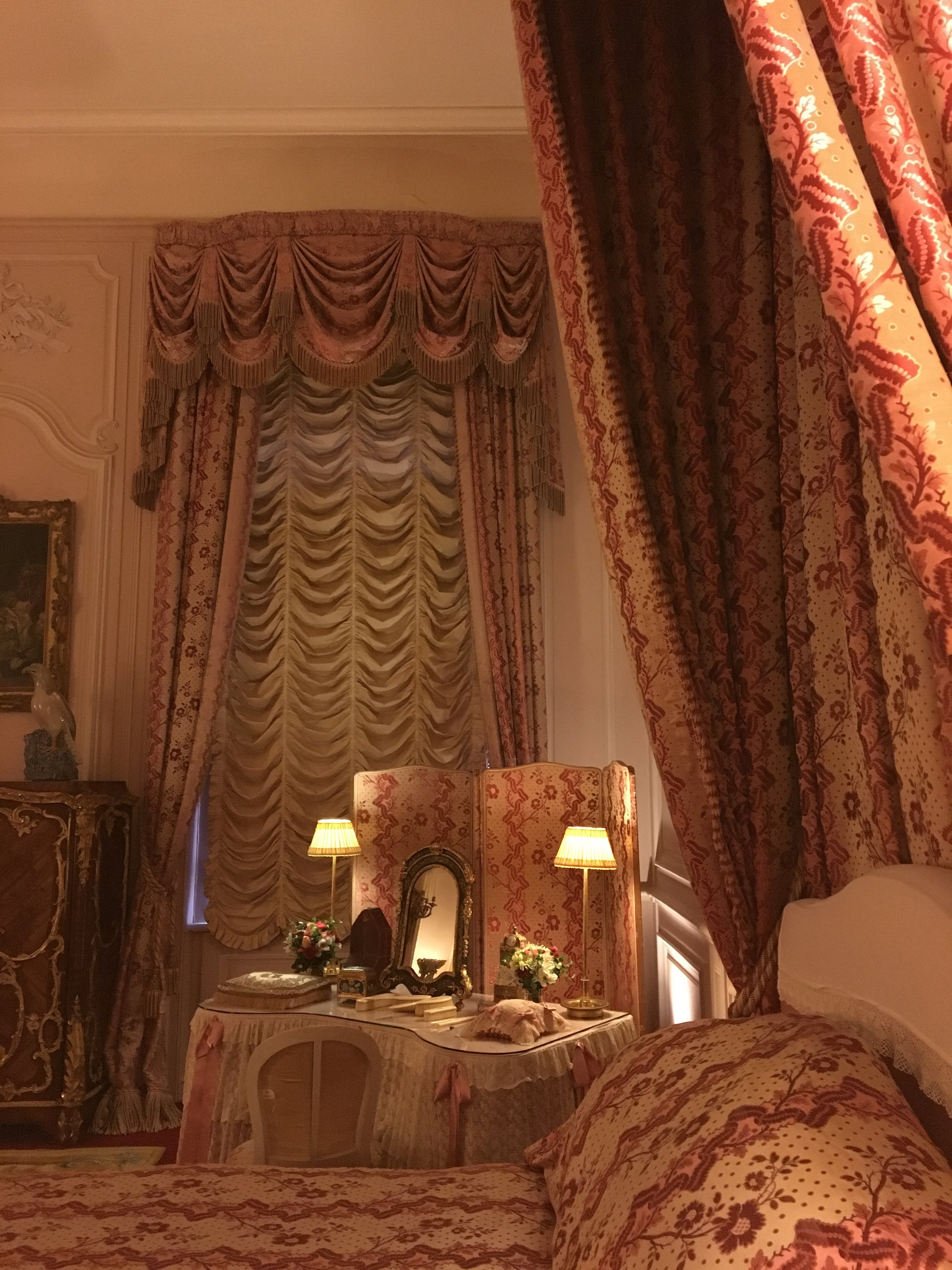 UK Waddesdon Manor guest room details National Trust French Chateau Rothschild Buckinghamshire garden chateau Eileen Hsieh Follow That Bug .jpg