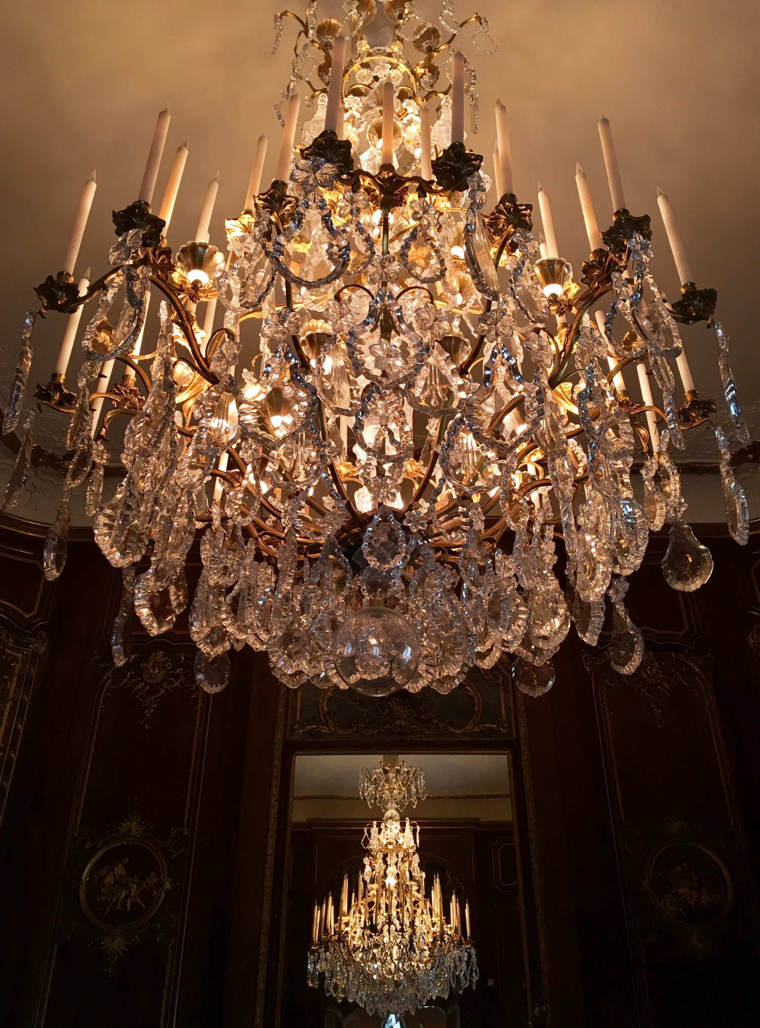 UK Waddesdon Manor chandelier details National Trust French Chateau Rothschild Buckinghamshire garden chateau Eileen Hsieh Follow That Bug .jpg