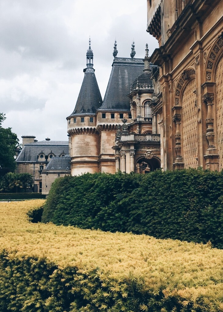 Waddesdon Manor was built in the style of Loire Valley chateaus, as designed by French architect Gabriel-Hippolyte Destailleur.  © Eileen Hsieh / Follow That Bug