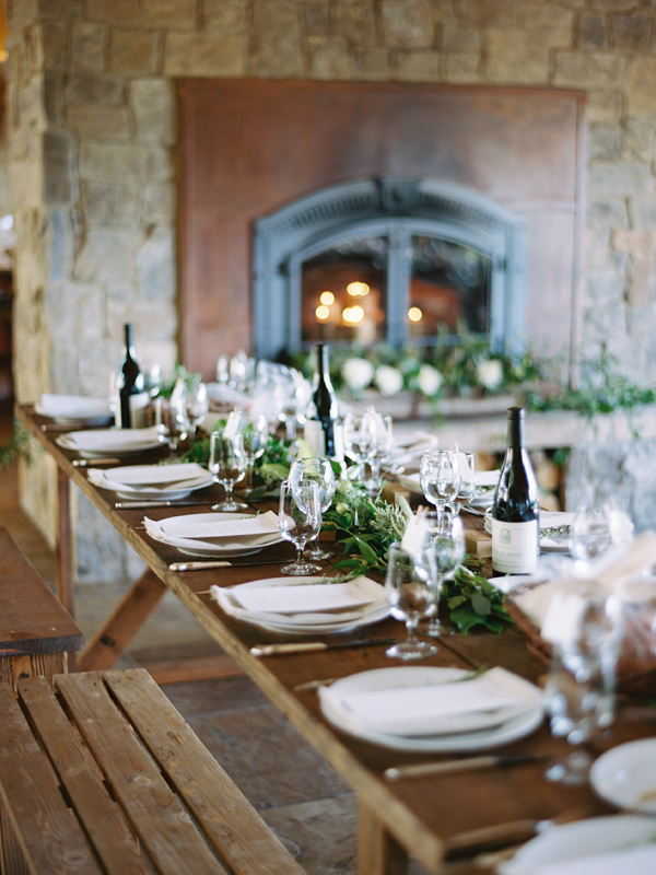 organic-wedding-decor-indoors.png