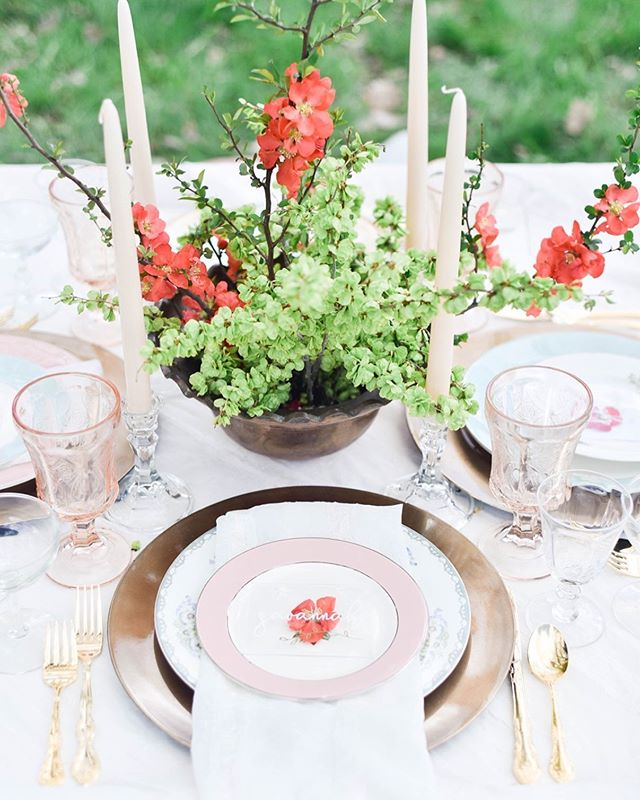Love this season... when we're tying up all the little details before the huge rush of love and beauty unfolds in the summer months around the corner! . Photo @karlaweddingphoto | Florals @linnaea_design | Dishware @_dirtydishes | Name Cards @blueleafdesignco | Design & Styling @heirloomsdurango | Venue @riverbendranchdurango at @thesouthwestweddingbazaar . #tablescape #heirloomsdurango #heirlooms #design #weddingdesign #elopement #elopementdesign #styling #stylist #elopementwedding #elope #springwedding #springelopement