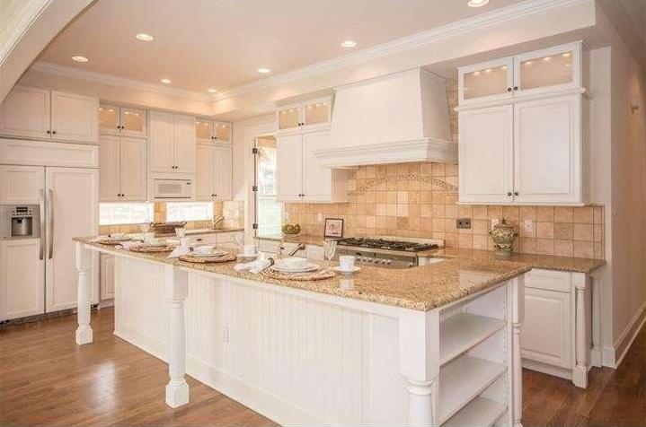 staged kitchen3.jpg