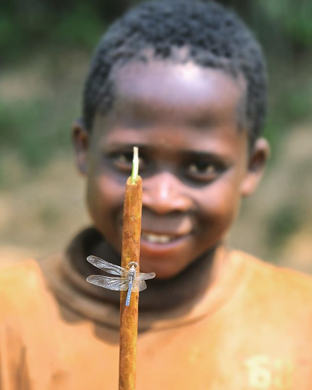 Louis and his dragonfly friend 🙂 . . . #Lualaba #DRC #Congo @unicef @unicefrdcongo