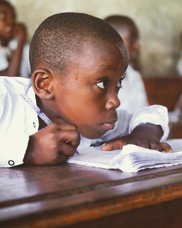 🙂✏️📕📗📘📙📒 . . . #Kinshasa #DRC #Congo @unicefrdcongo @unicef