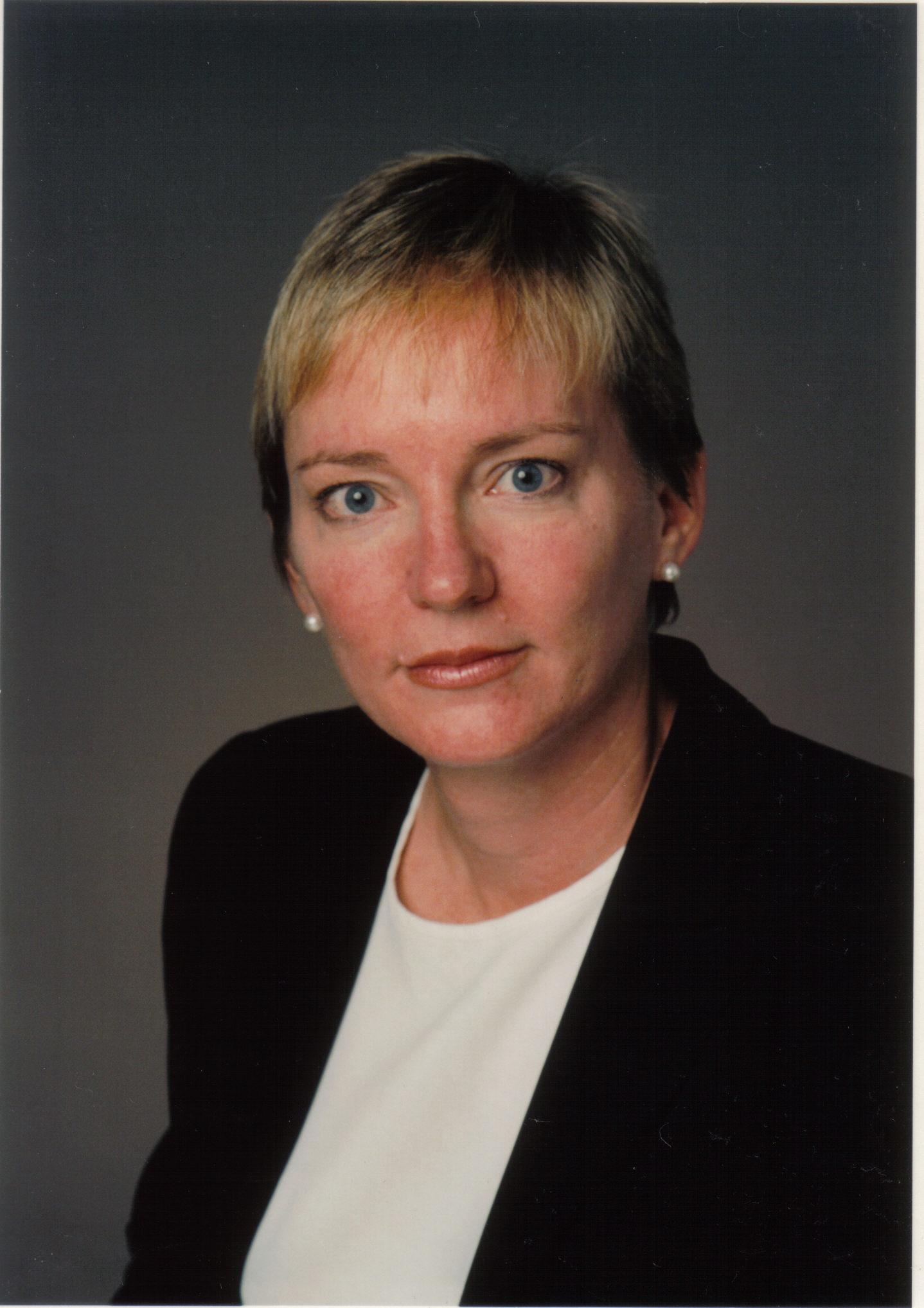 Eileen Gillese (Alberta & Wadham 1977)