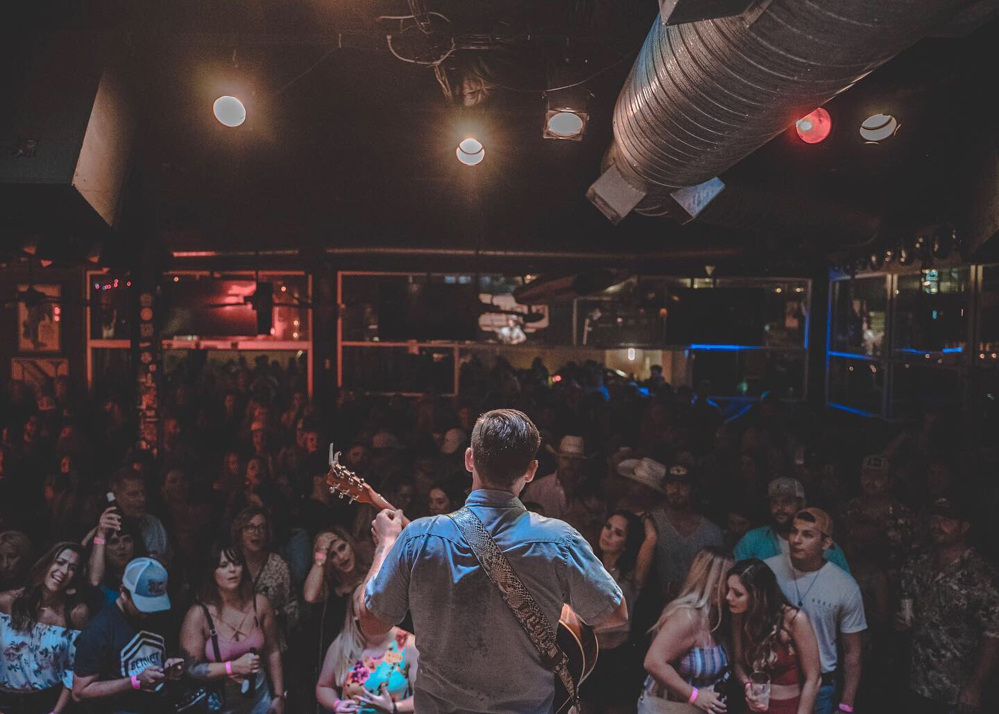 Fort Worth, you're beautiful. Thanks for a great night. Thanks to Chris Colston and Dalton Domino for putting on a great show, and  Claiborne Meyers  for the pictures.