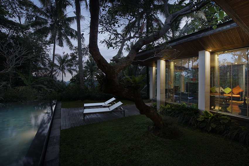 Bali Luxury Resort, Chapung Sebali, private villa, tropical garden and swimming pool at sunrise