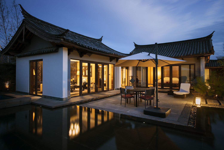Pullman-Lijiang-villa-exterior-01.jpg