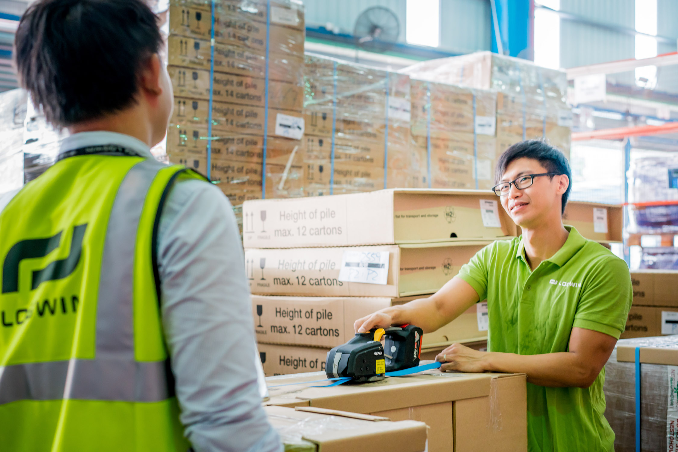 Logwin-Logistics-Hong-Kong-web-2743.jpg