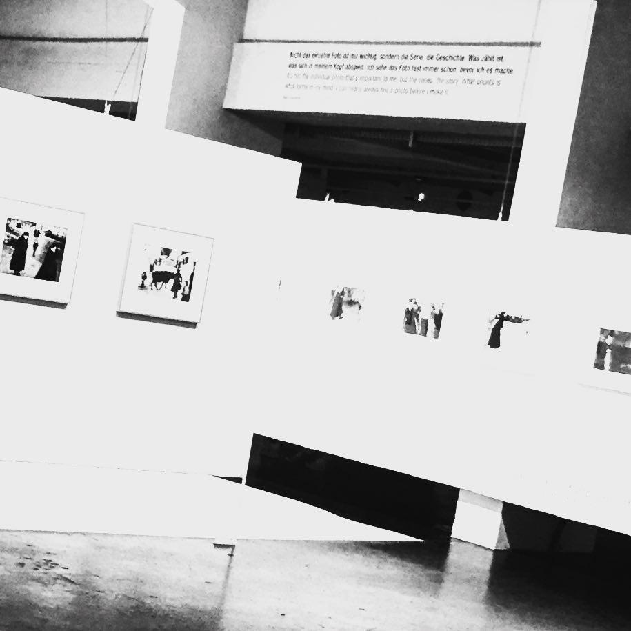 Spannende und eigenwillige Fotos im #Westlicht von Mario Giacomelli