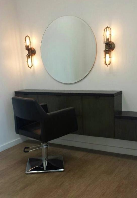 Site Via Dolce Salon Lynnea Jean, Round Salon Mirrors With Lights