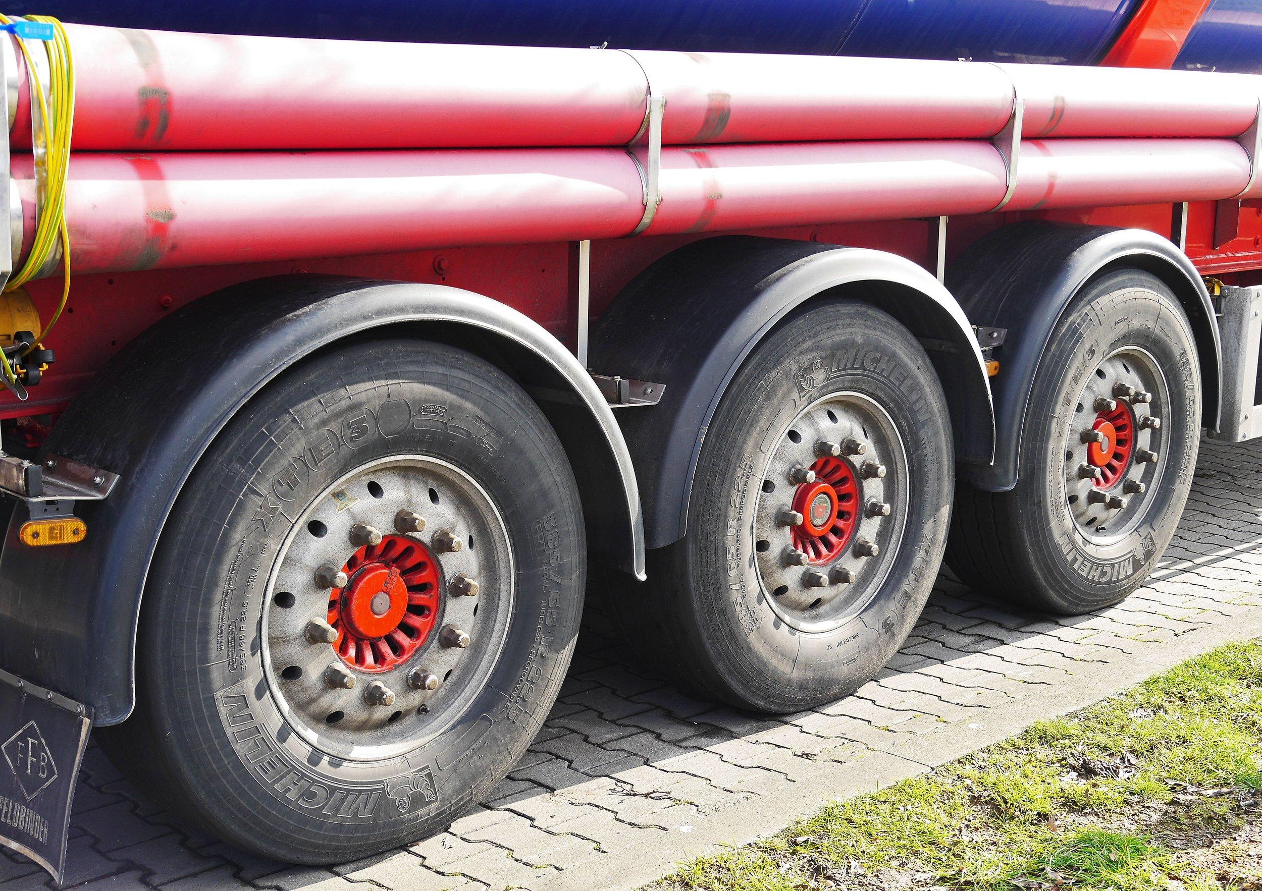 semi_trailer_tank_truck.jpg