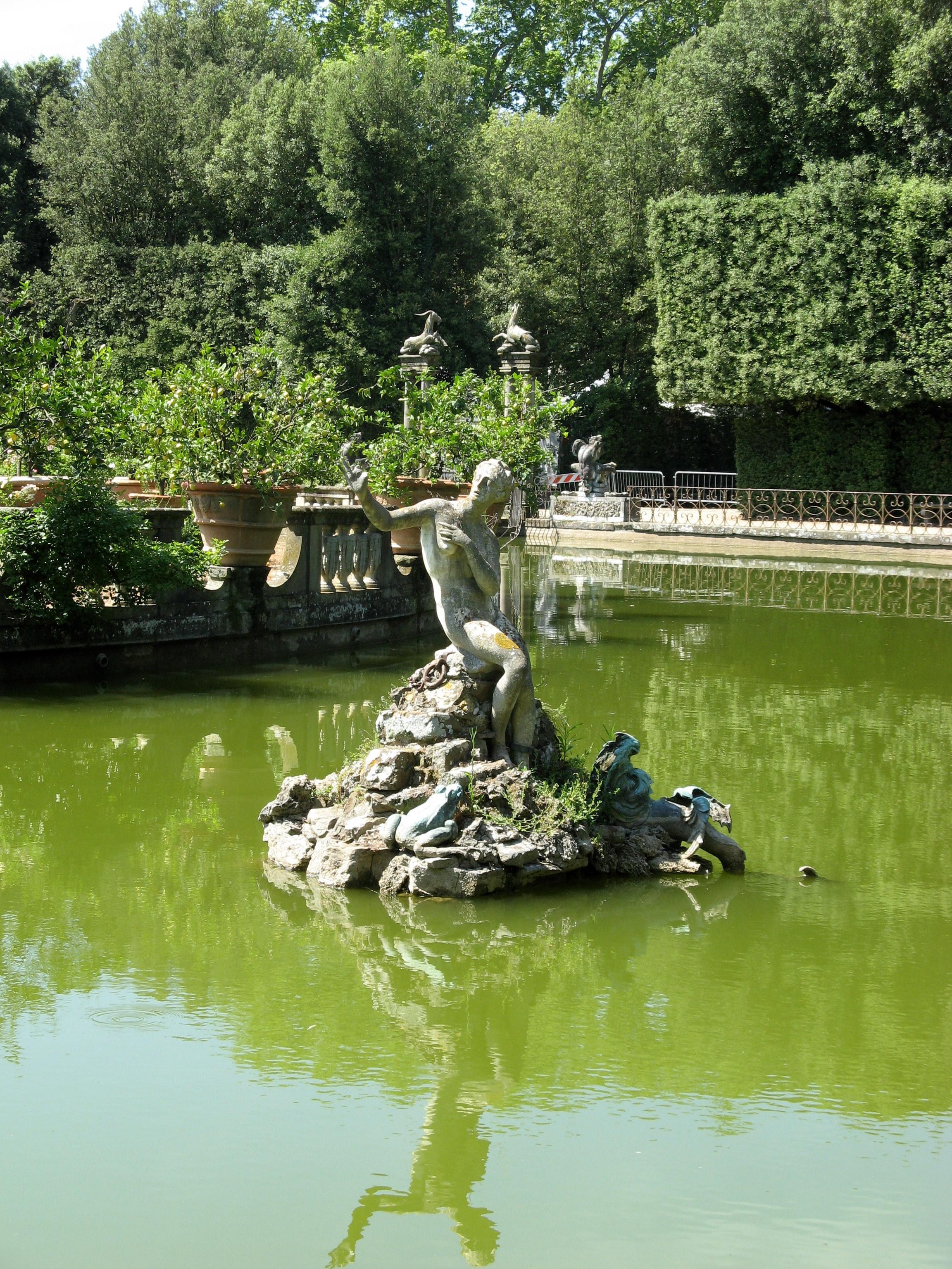 Boboli Garden pond statue