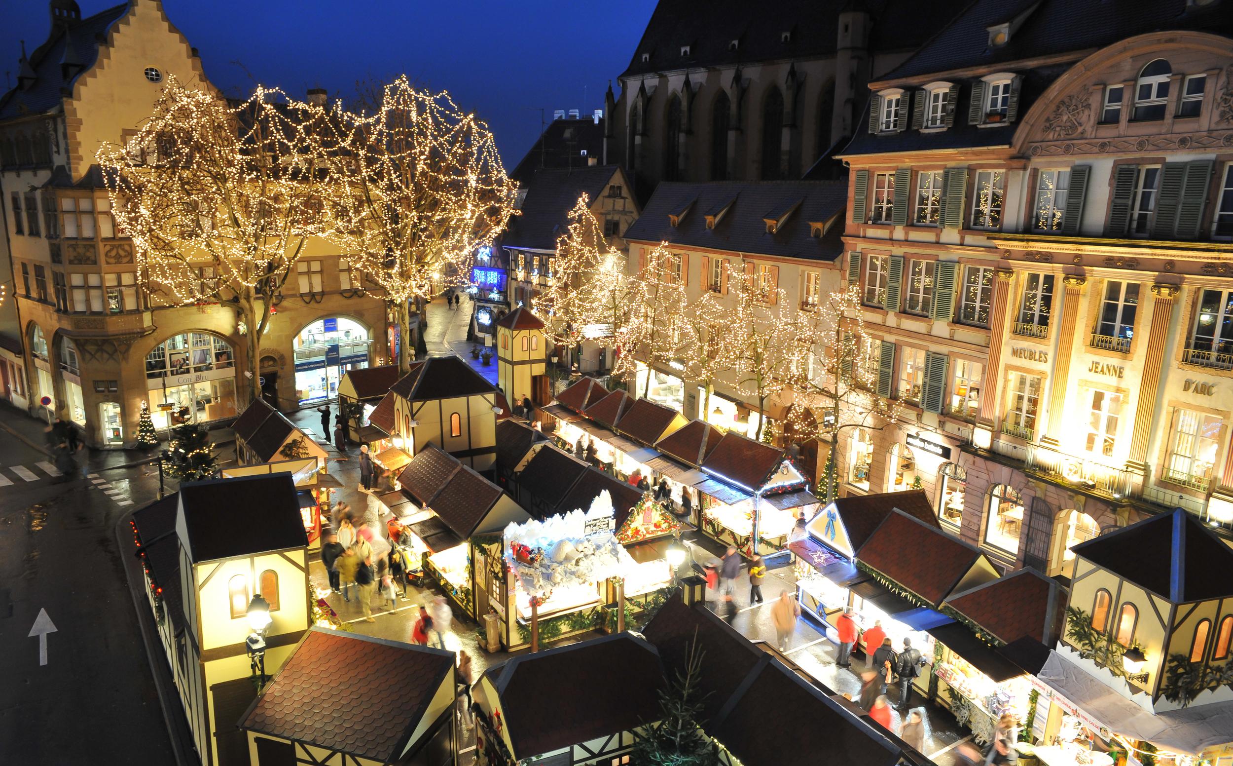 Colmar's Place Jeanne d'Arc market via  OT-Colmar