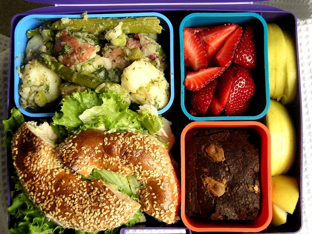 Reduce waste from school lunches by switching to reusable bento boxes or lunch boxes during National Green Week. (Photo by:https://www.flickr.com/photos/axelsrose/2592037069/)